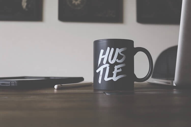 Start selling on amazon: image of a 'hustle' mug