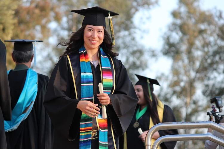 Amazon business without degree: Woman graduating